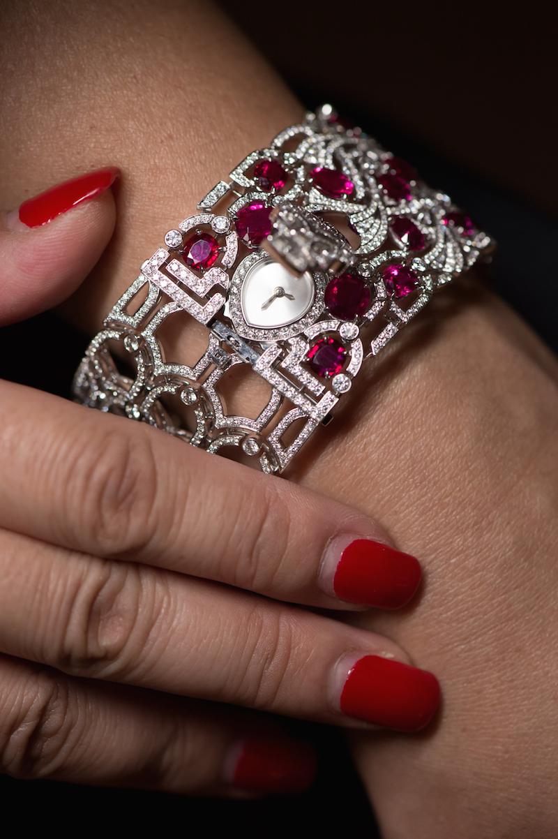 Cartier-High-Jewellery-Koinobori-Secret-Watch_2015_Wrist-Open