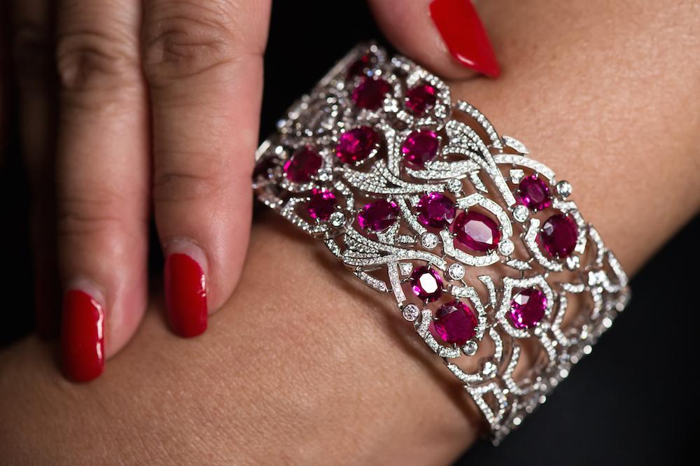 Cartier-High-Jewellery-Koinobori-Secret-Watch_2015_Wrist-closed
