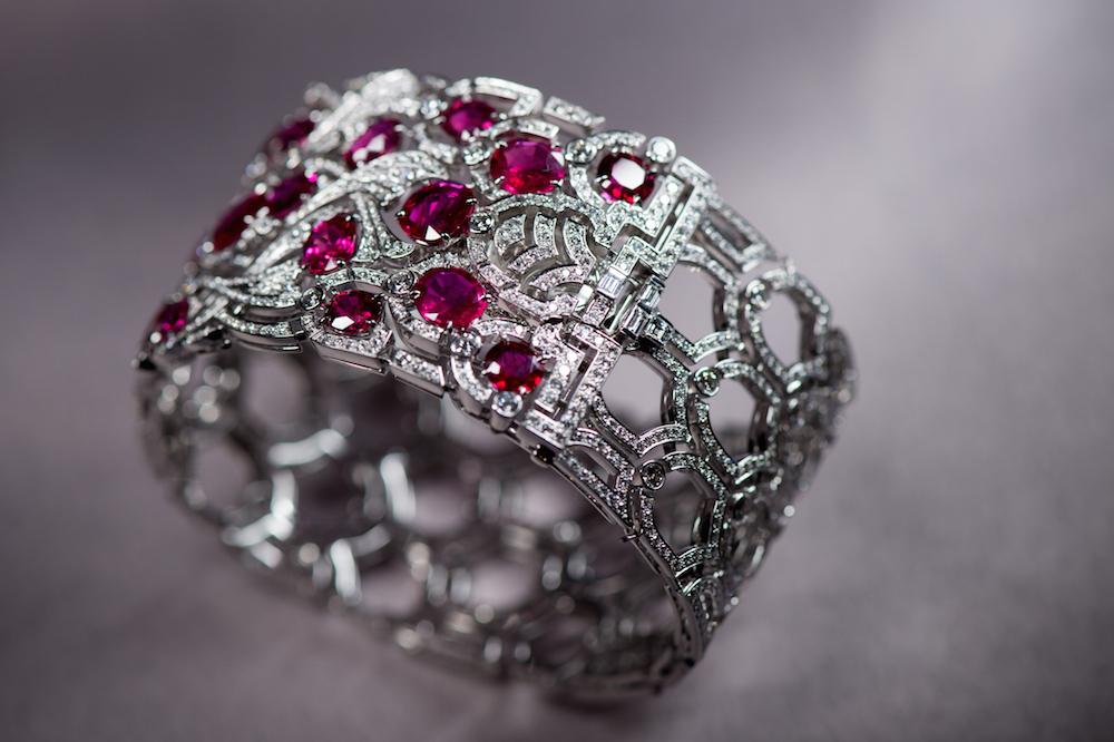 Cartier-High-Jewellery-Koinobori-Secret-Watch_2015_front