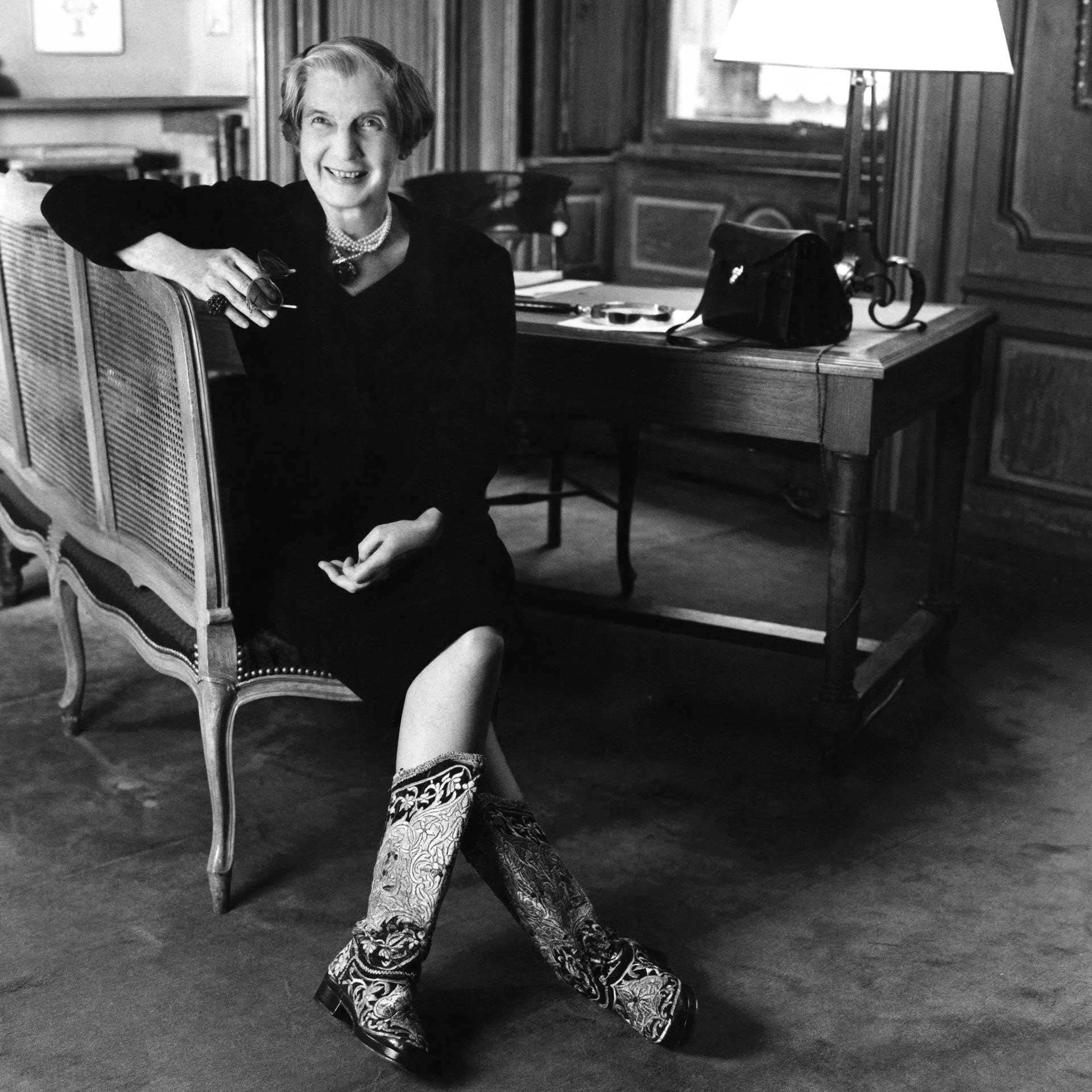 Cartier-glamour-girls_