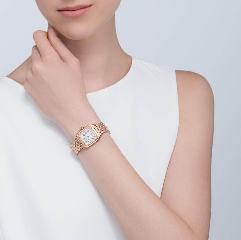 The luxury copy Panthère De Cartier WGPN0007 watches are decorated with diamonds.