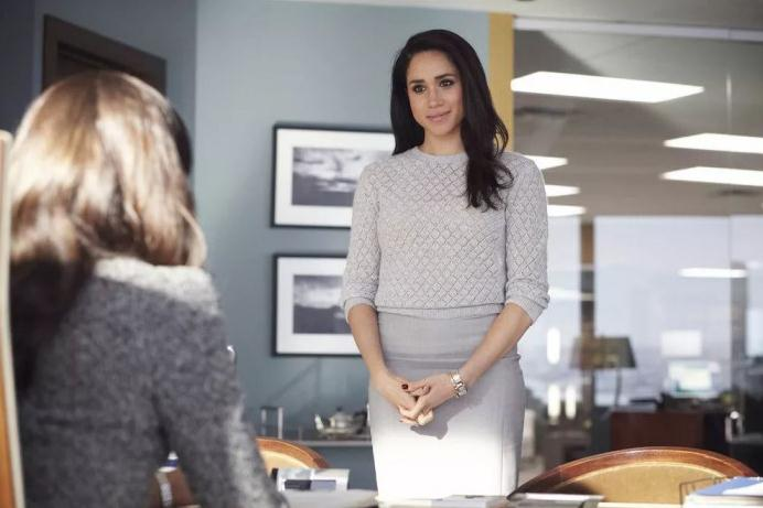 """Megan often wears the stainless steel fake Cartier Tank Française W51008Q3 watch with silver-plated dials in the television series """"suits""""."""