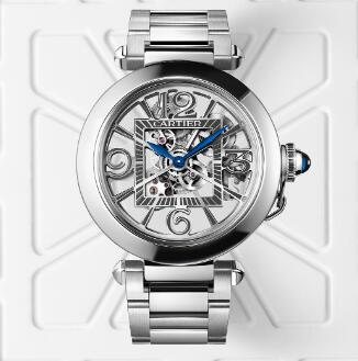 The skeleton dial allows the wearers to enjoy the beautiful movement.