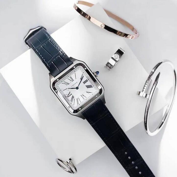 Online fake watches are prominent with manual-winding movements.