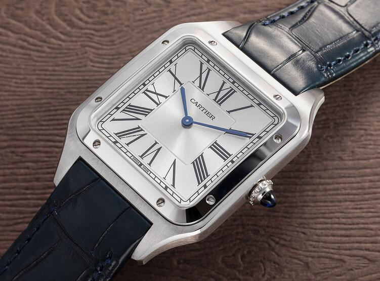 Classic with two blue hands, the replica watches are quite elegant.