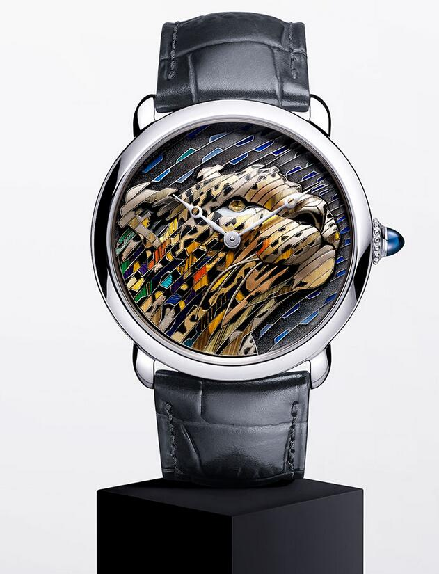 Online fake watches maintain the luxury feeling with white gold material.