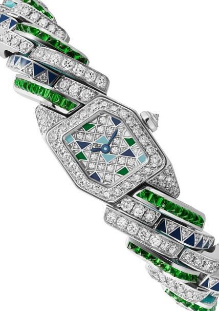 Online replica watches are delicately fixed with diamonds.
